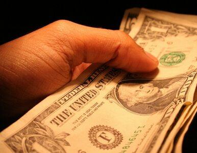 USA: wyłudziła od babci 100 tys. dolarów udając, że ma raka
