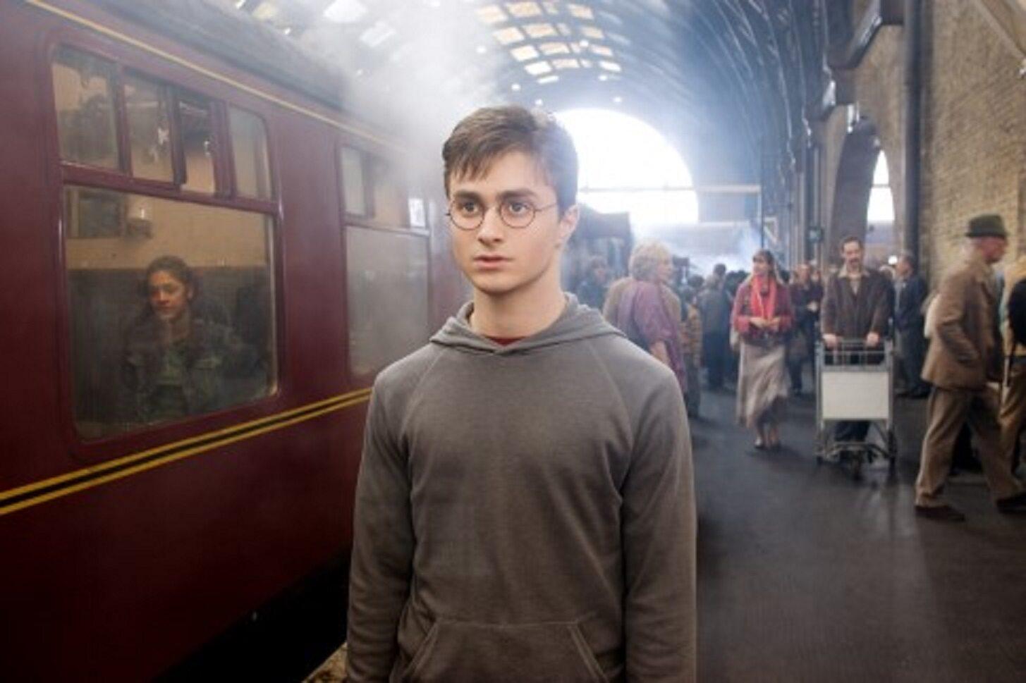 Peron 9 i 3/4 znajdował się na jakiej londyńskiej stacji?