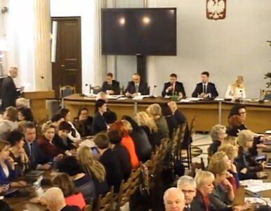 Kancelaria Sejmu przyznaje w komunikacie: Na Sali Kolumnowej byli...