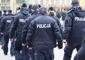 Policjanci wycofują się ze strajku. Przedstawiciele związków porozumieli...