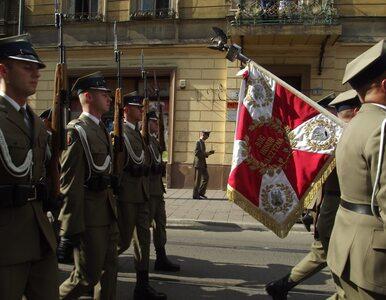 Chrześcijańskie wartości w wytycznych dla żołnierzy. MON tłumaczy się z...