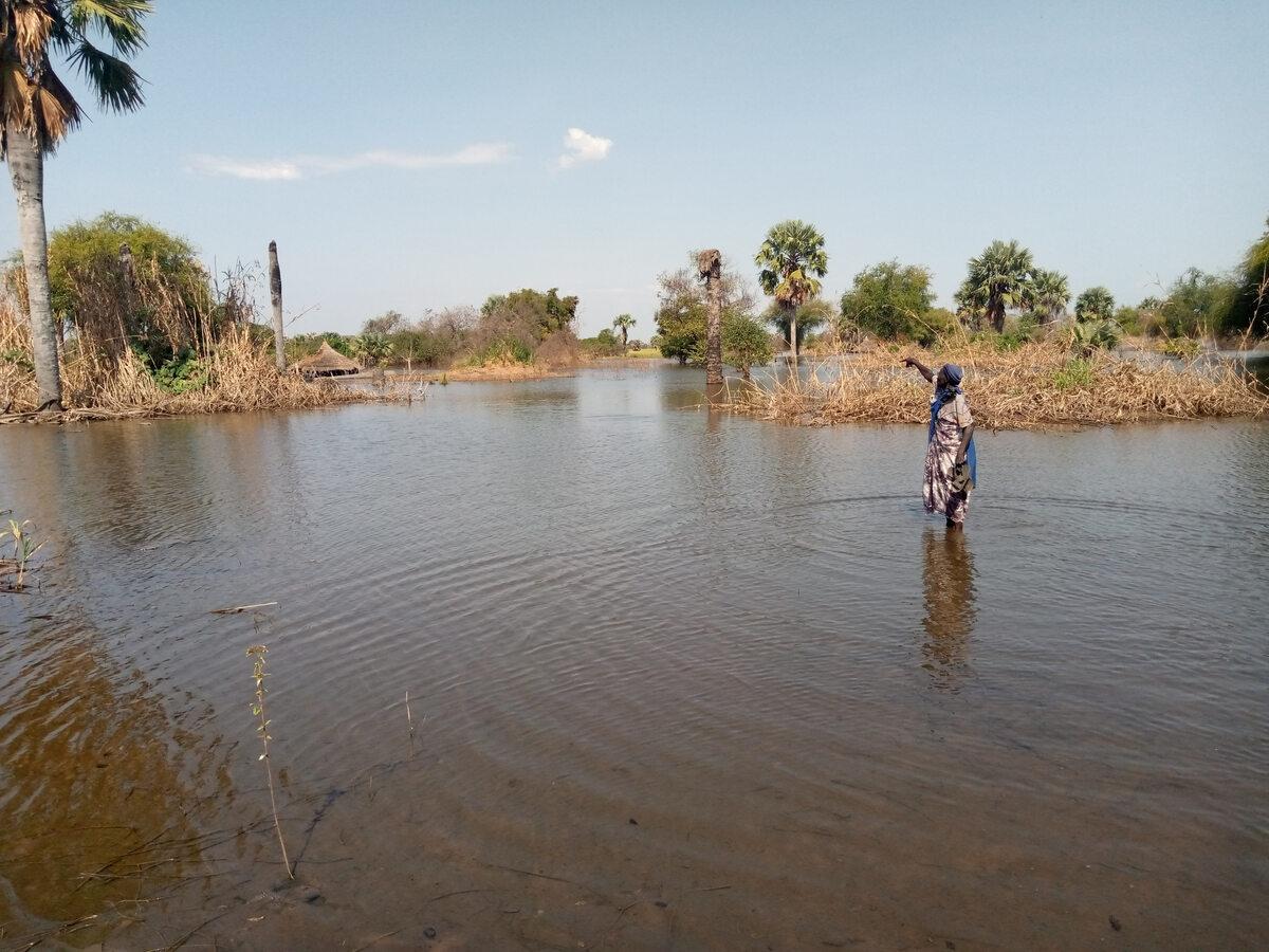 Sudan Południowy. Zalane drogi po powodzi