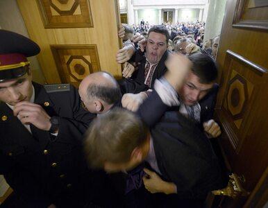 Dwie bójki w dwa dni - parlament rozpoczyna pracę