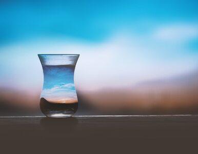 Endokrynolog: o piciu wody należy pamiętać również jesienią i zimą