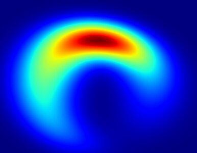 Czarna Dziura wcale nie musi być okrągła. Zobacz jak może wyglądać