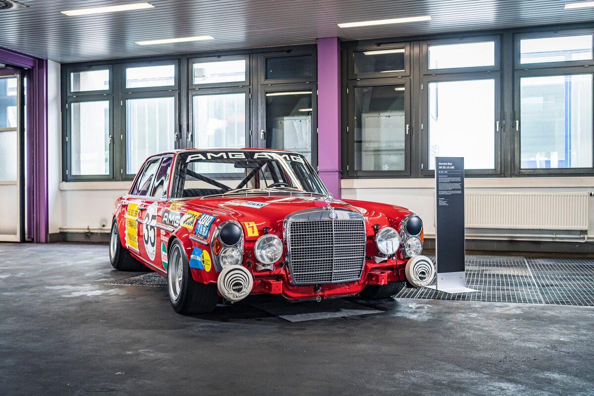 Mercedes 300 SEL 6.8