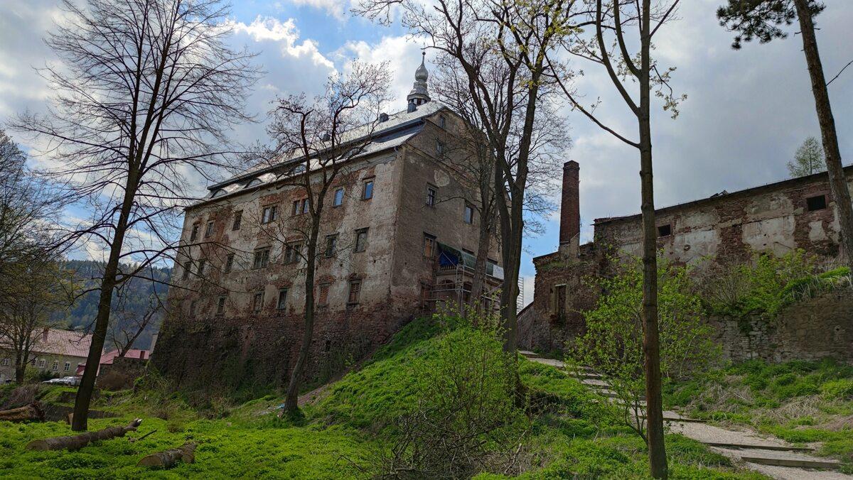 Zamek Sarny