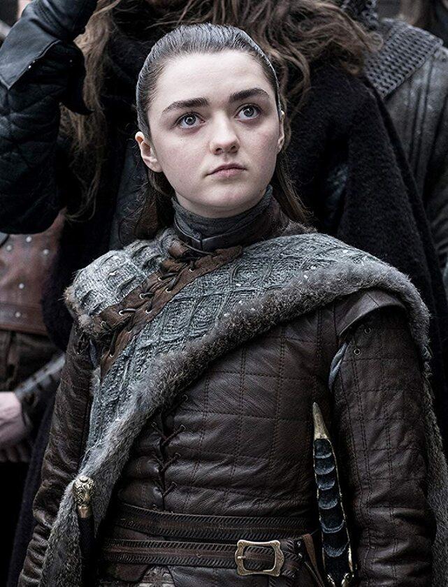 Arya Stark sezon 8 Maisie Williams ma obecnie 22 lata.