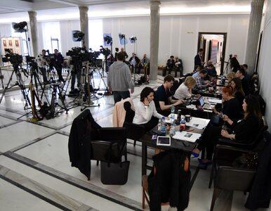 Posłowie piszą do marszałka Sejmu w sprawie ograniczeń dla dziennikarzy...
