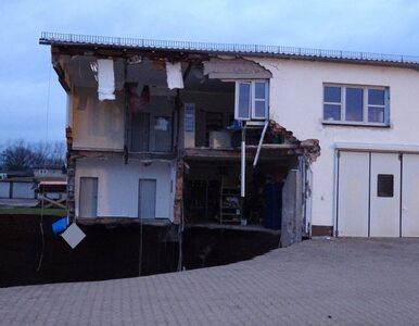 Zapadła się ziemia w Niemczech. Powstała dziura o głębokości 40 metrów