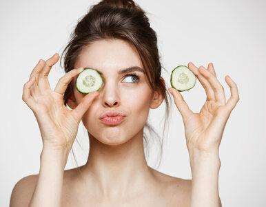 Szukasz naturalnej metody na opuchliznę i nawilżenie okolic oczu?...