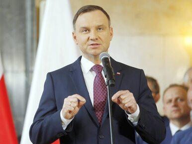 """Łapiński nawiązuje do """"podniesionych kciuków"""" prezydenta w Brukseli"""