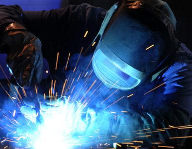 Europejski przemysł wychodzi z kryzysu. Gorzej z usługami. Poznaliśmy...