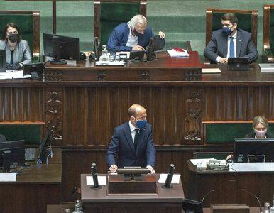 """""""Nikomu nie powinna zadrżeć ręka"""", """"klaszcze mu tylko Moskwa"""". Opozycja..."""