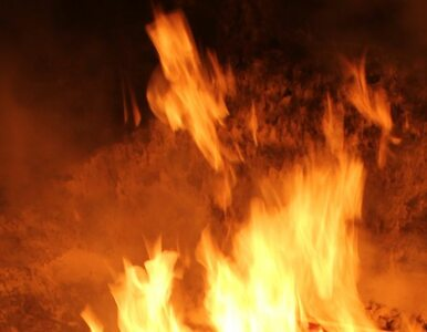 Skierniewice: płonie opuszczona remiza straży pożarnej