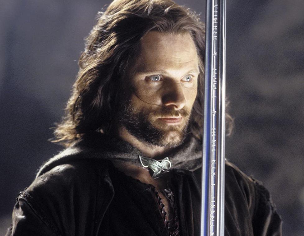 Kogo Aragorn wezwał na pomoc do walki z Sauronem?