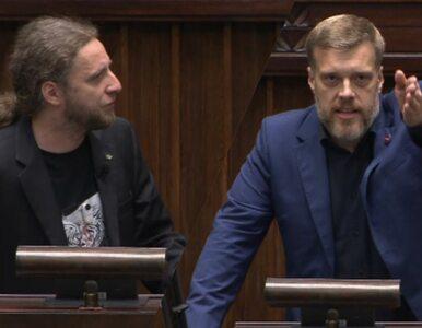 """Zandberg nazwał Konfederację """"brunatną"""" i """"pacynkami"""". Sośnierz nie..."""