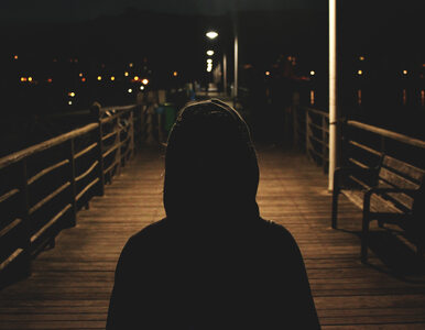 Strach – emocja, której każdy doświadcza. Skąd się bierze, jak się...