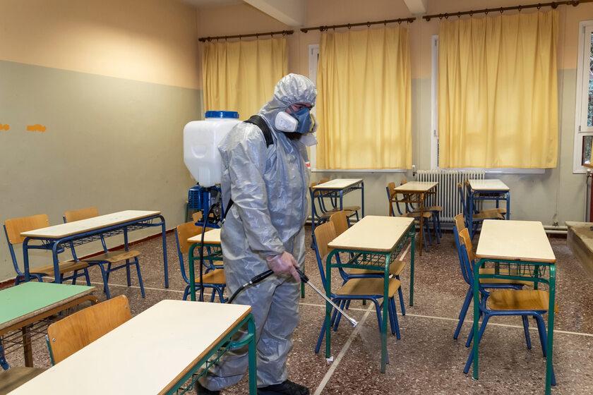 Dezynfekcja sali lekcyjnej, zdj. ilustracyjne