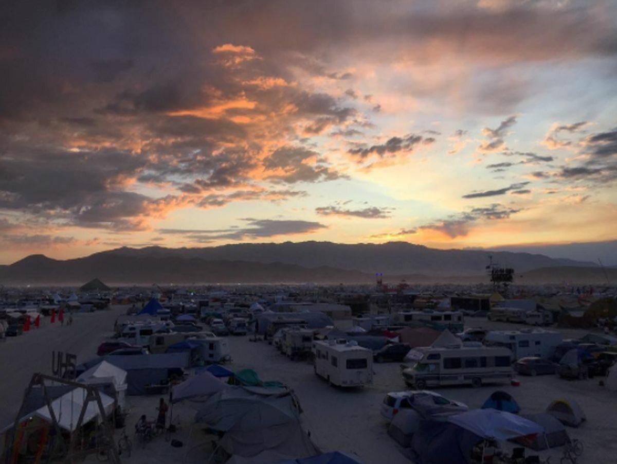 Burning Man 2017. Uczestnicy tworzą na pustyni Black Rock City