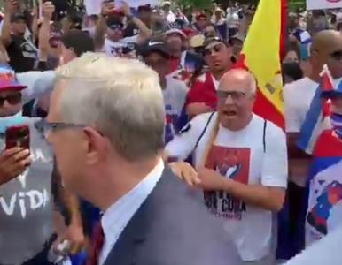 USA. Korespondent TVN przegoniony przez protestujących. Jest nagranie...
