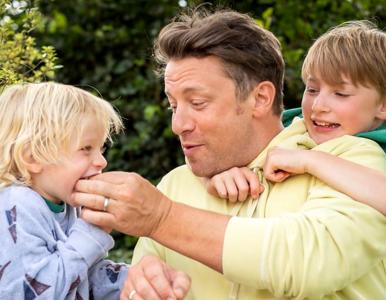 Ulubiona owsianka Jamiego Olivera – przepis na najzdrowsze śniadanie...
