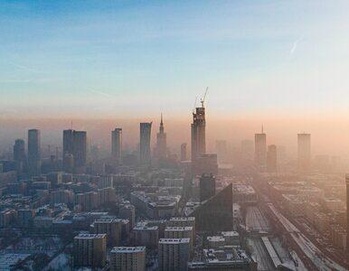 Fatalna jakość powietrza w Polsce. Smog w Warszawie można kroić nożem