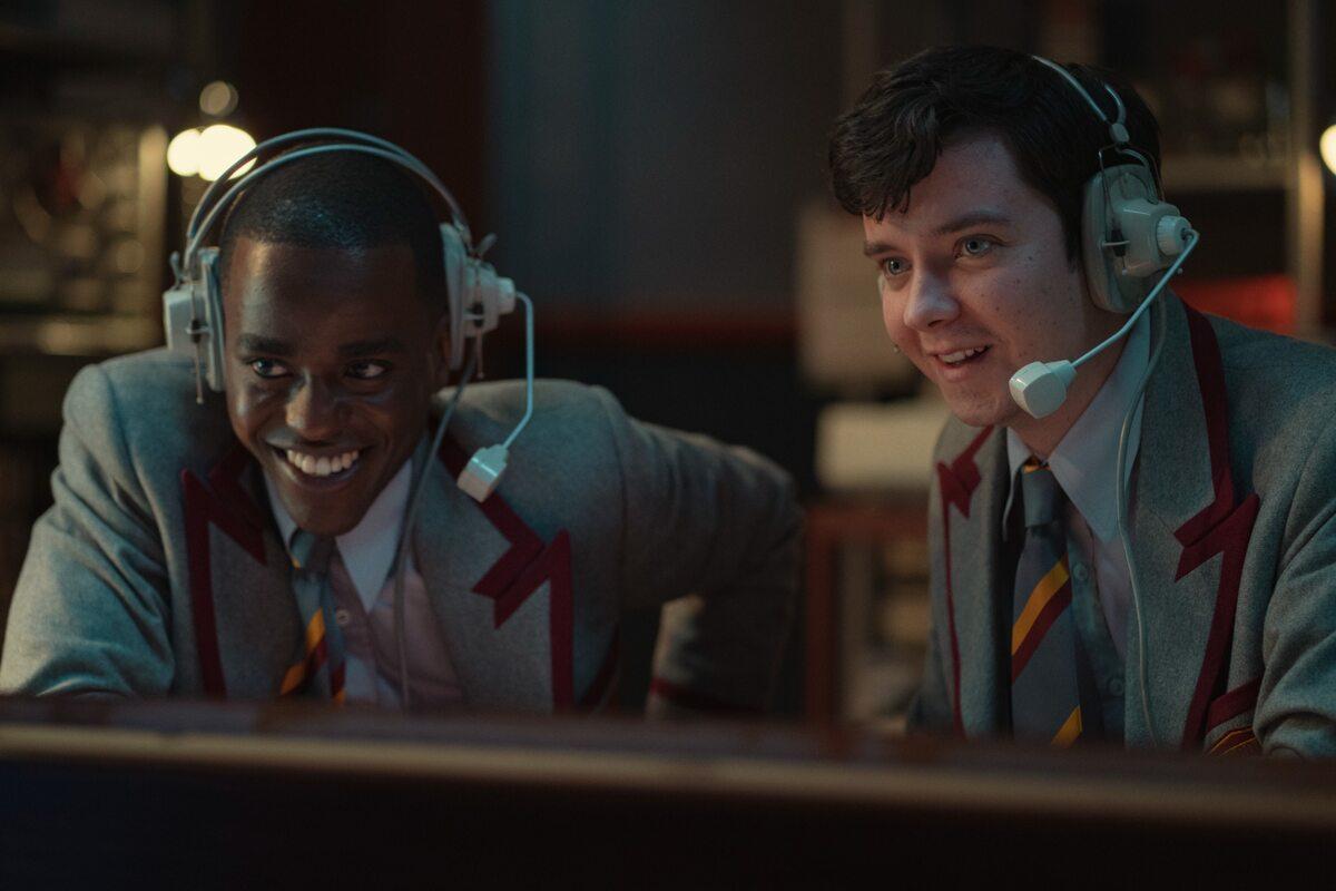 """Kadr z 3. sezonu """"Sex Education"""""""