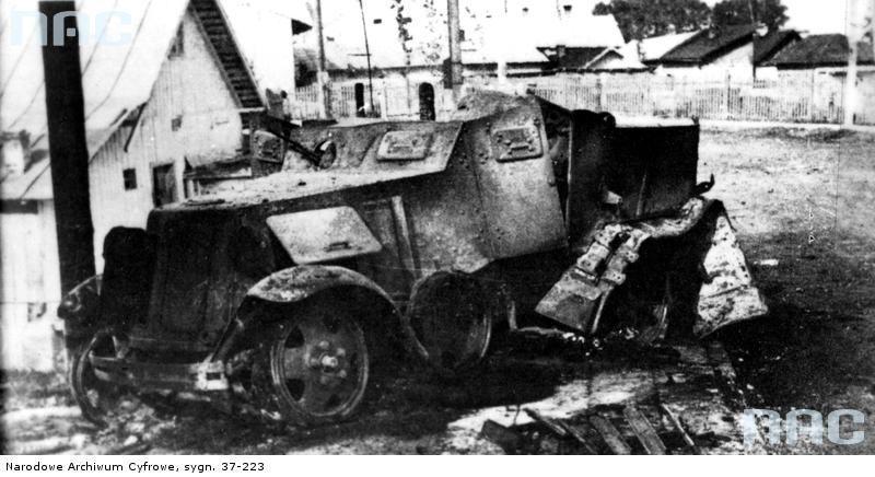 Sowiecki samochód pancerny zniszczony przez Wojsko Polskie w Wołkowysku