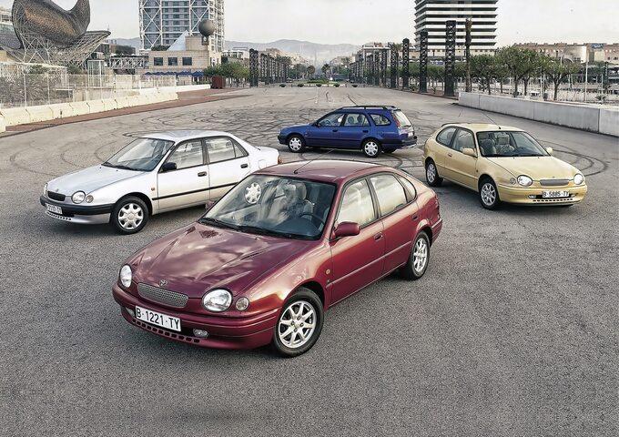 Różne generacje Toyoty Corolli