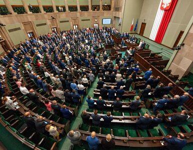 Sondaż. Pięć ugrupowań w Sejmie, PiS z prawie dwukrotnie wyższym...