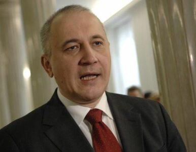 """Brudziński broni papieża. """"Niech lewackie kundle szczekają"""""""