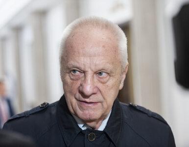 Niesiołowski o Schetynie: Jest głupi. To pasożyt, który niszczy polską...