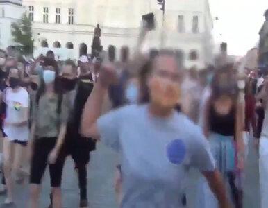 """""""Kur**"""", """"faszyści"""", """"jeb*** psy"""". Policja publikuje nagranie z protestu..."""