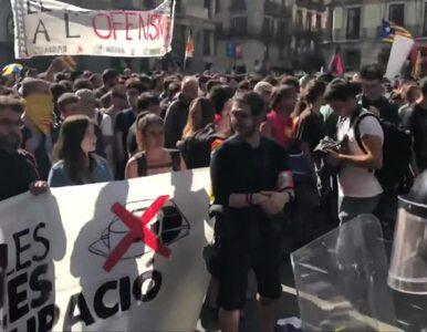Brutalne starcia z policją w Barcelonie. Manifestowali zwolennicy...