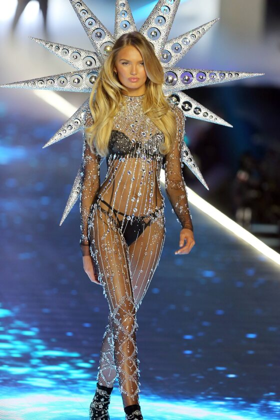 Jeden z aniołków Victoria's Secret