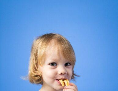Dzieci, które jedzą więcej wysoko przetworzonej żywności, szybciej...