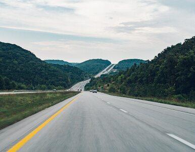 """6-latek pędził autostradą 130 km/h. """"Pier*** się"""" – odpowiedziała matka..."""
