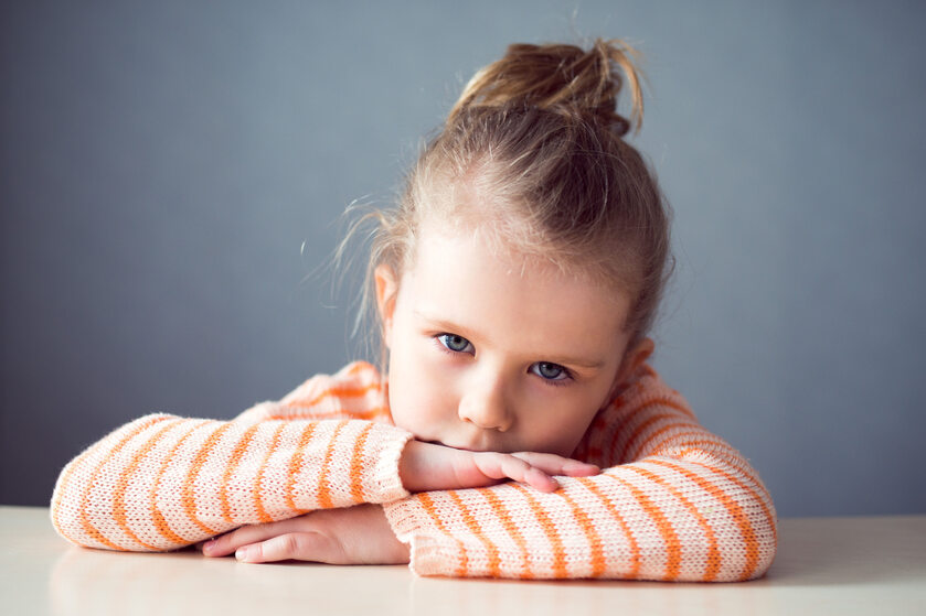 Smutna dziewczynka