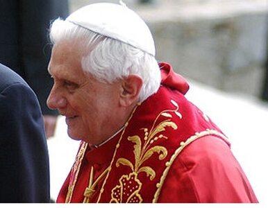 Benedykt XVI: rodzina pierwszą szkołą modlitwy
