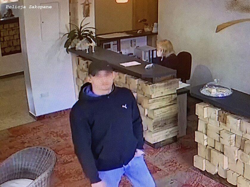 Jeden z oszustów
