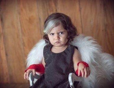 Ta dziewczynka siwieje od urodzenia, więc przebiera się za Cruellę