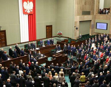 Sondaż: 7 formacji w Sejmie, w tym Partia Razem i KORWiN