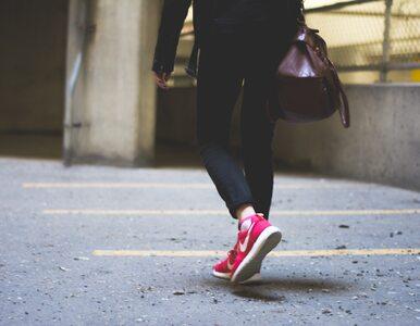 Spacer zamiast autobusu do pracy – jakie przynosi korzyści?