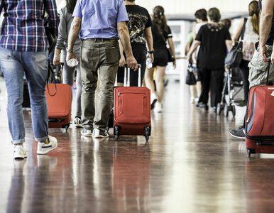 Kolejne problemy polskich turystów. Od ponad doby koczują na lotnisku