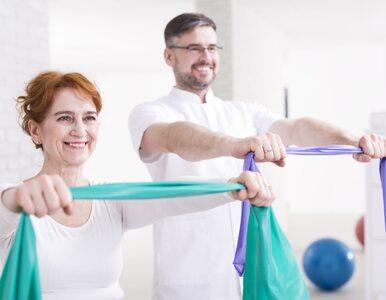 To ćwiczenie obniża ciśnienie krwi. Powtarzaj je 2-3 razy w tygodniu po...