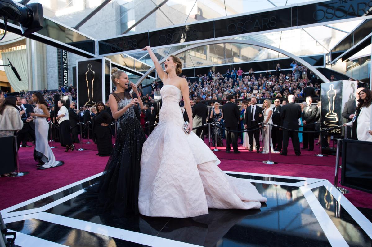 Jennifer Lawrence podczas 85. ceremonii rozdania Oscarów w 2013 roku