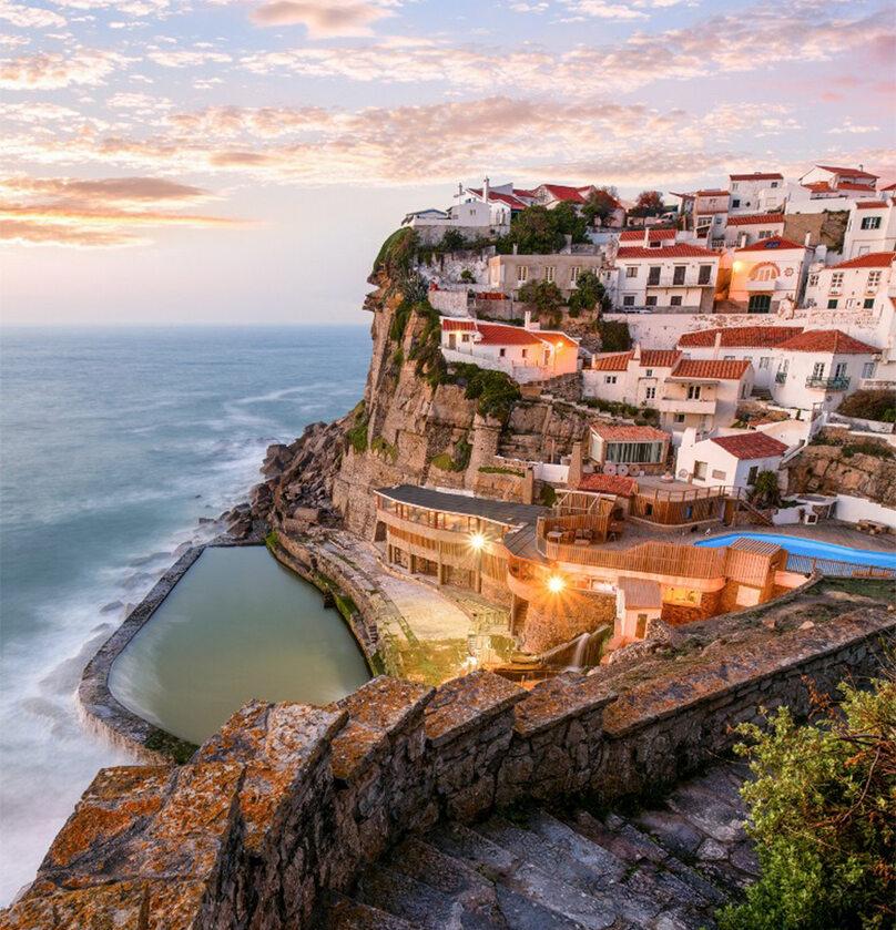 Azenhas Do Mar, Sintra, Portugalia boredpanda.com