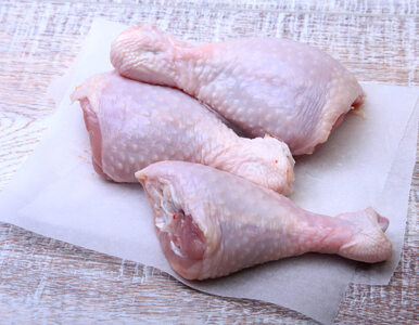 Salmonella w dwóch partiach mięsa drobiowego. Uwaga konsumenci, GIS...
