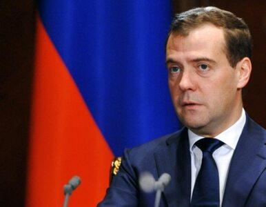 Miedwiediew: By o te władze jak o szmatę nie wycierano nóg